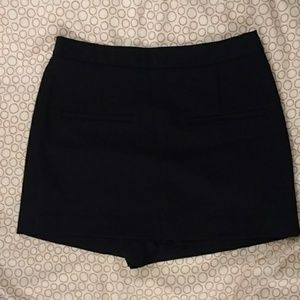 Never Worn Zara Trafaluc black mini skort